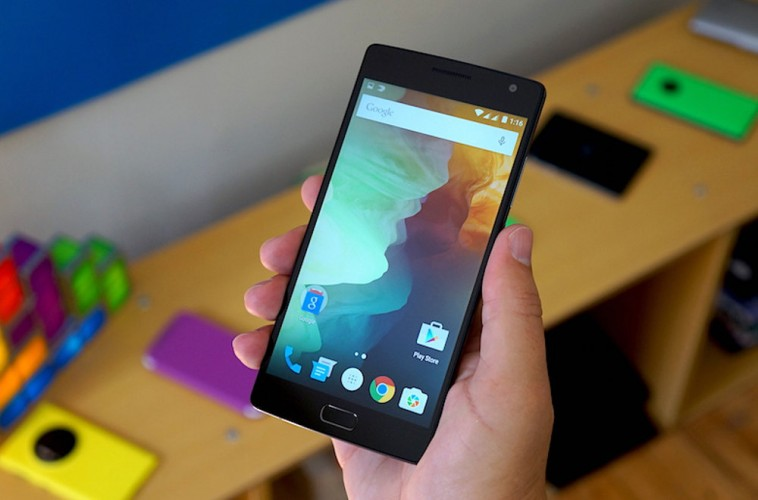 OnePlus-2-in-hand-2